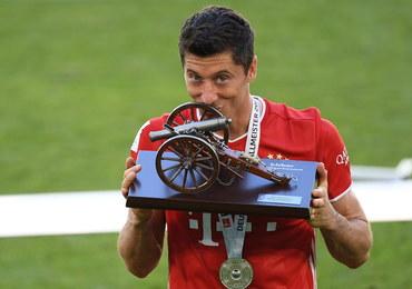 """Robert Lewandowski Piłkarzem Roku FIFA. """"Dzień dumy dla Bayernu"""""""