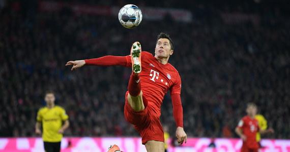 """Zagraniczne media od Szwecji po Hiszpanie rozpisują się o wygranej Roberta Lewandowskiego w plebiscycie FIFA The Best. """"Ma 32 lata i dotarł do celu swoich marzeń. Perfekcyjny sezon zakończony perfekcyjnym wieczorem"""" -  można przeczytać o najlepszym piłkarzu roku na sport1.de."""