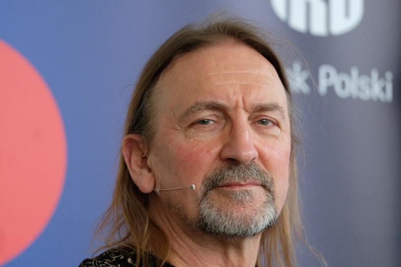 Legendarny polski wokalista rockowy przed laty został zatrzymany przez policję. Wszystko działo się w Nowym Jorku. Marek Piekarczyk opowiedział o tym, jak wylądował w amerykańskim więzieniu.