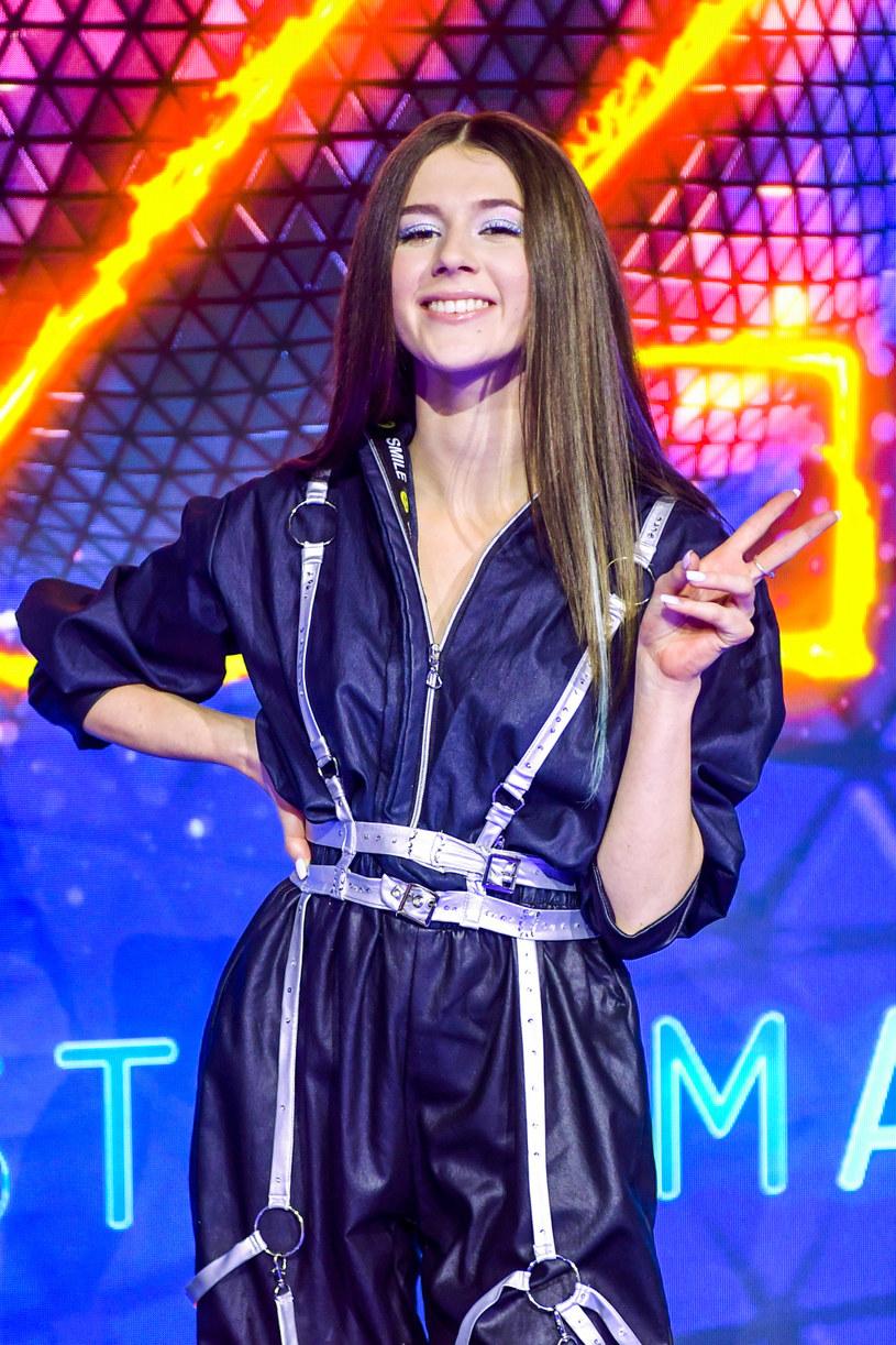 """Roksana Węgiel jest jedną z najpopularniejszych wokalistek młodego pokolenia. Teraz sprawdzi się również jako tancerka w programie """"Dance, dance, dance""""."""