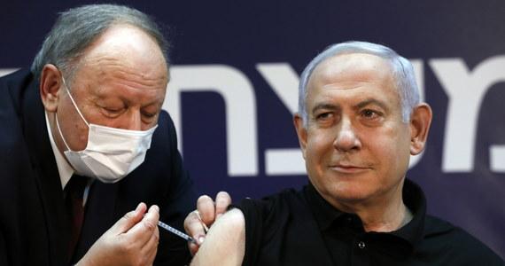 Premier Izraela Benjamin Netanjahu został pierwszym obywatelem tego kraju zaszczepionym przeciwko Covid-19. Wierzę w tę szczepionkę – oświadczył.