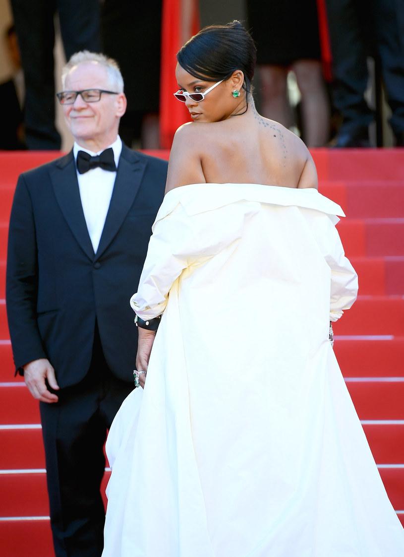 """Rihanna przyznała, że w 2021 roku """"chce wejść na zupełnie nowy poziom"""" zarówno z muzyką, jak i z jej różnymi biznesowymi przedsięwzięciami."""