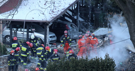 Sąd Apelacyjny w Katowicach utrzymał w mocy decyzję o przedłużeniu aresztowania Romana D., który zdaniem śledczych przyczynił się ponad rok temu do wybuchu gazu w Szczyrku. W katastrofie zginęło osiem osób.