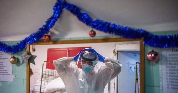 Mamy 12 361 nowych zakażeń koronawirusem - poinformowało w środę Ministerstwo Zdrowia. Z powodu Covid-19 ostatniej doby zmarło 472 pacjentów.