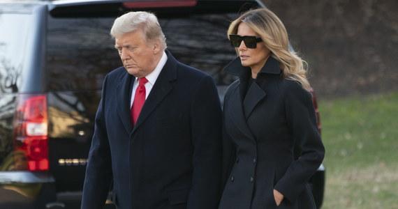Prezydent Donald Trump ułaskawił kolejnych swoich byłych współpracowników i zwolenników. Tym razem ułaskawił byłego szefa jego kampanii wyborczej Paula Manaforta, byłego doradcę Rogera Stone'a i biznesmena Charlesa Kushnera, ojca zięcia Trumpa - Jareda Kushera.