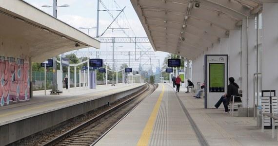 Z powodu utrzymującego się stanu zagrożenia epidemicznego od 28 grudnia Koleje Dolnośląskie zawieszą pasażerskie połączenia międzynarodowe z Czechami i Niemcami. Składy regionalnego przewoźnika nie będą kursować na trzech liniach transgranicznych.