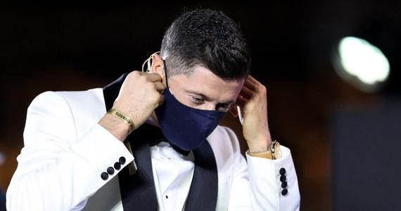 Robert Lewandowski, kapitan reprezentacji Polski i napastnik Bayernu Monachium, otrzymał nagrodę plebiscytu Globe Soccer Awards dla najlepszego piłkarza 2020 roku. Nazwiska triumfatorów ogłoszono podczas gali w Dubaju. Zawodnikiem XXI wieku został Portugalczyk Cristiano Ronaldo.