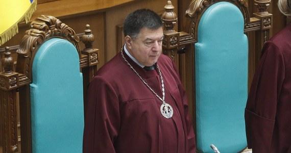 Trybunał Konstytucyjny Ukrainy uznał w środę za sprzeczny z ustawą zasadniczą dekret prezydenta Wołodymyra Zełenskiego zawieszający prezesa TK Ołeksandra Tupyckiego w wykonywaniu obowiązków na dwa miesiące w związku z podejrzeniami o korupcję.