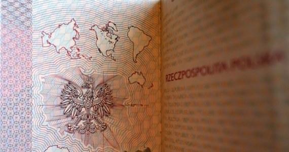 """""""Lecąc do Wielkiej Brytanii po 1 stycznia 2021 roku najlepiej mieć przy sobie dwa dokumenty: dowód osobisty i ważny paszport"""" - radzi rzecznik Lotnika Chopina Piotr Rudzki. W związku z brexitem będą też ograniczenia w limicie towarów jakie będzie można wwieźć i wywieźć z Wysp."""