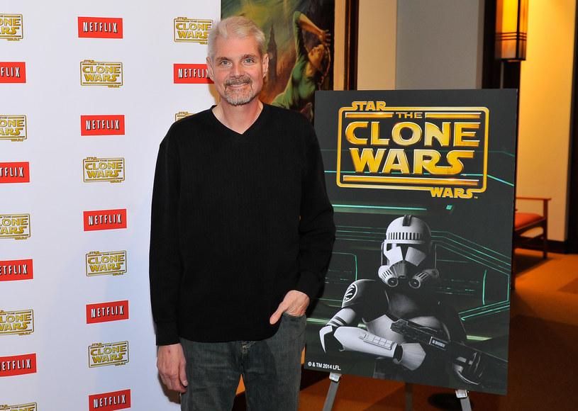 """Tom Kane, aktor, który podkładał głos pod Yodę w """"Gwiezdnych wojnach"""" przeszedł udar i ma uszkodzone centrum mowy. Artysta przechodzi rehabilitację, ale rodzina 58-latka została uprzedzona, że może on już nigdy nie być zdolny do pracy w dubbingu."""