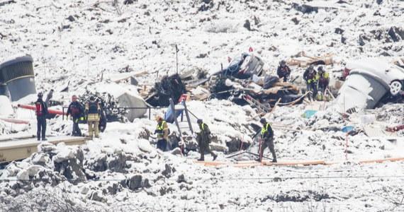 W miasteczku Ask nieopodal Oslo doszło we wtorek do kolejnego osunięcia się ziemi. Poszukujący trzech zaginionych osób ratownicy zostali ewakuowani, a ich działania przerwane.