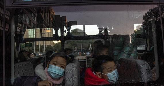 """Szef Światowej Organizacji Zdrowia (WHO) Tedros Adhanom Ghebreyesus powiedział we wtorek, że jest """"bardzo rozczarowany"""" tym, iż Chiny nadal nie udzieliły zezwolenia międzynarodowej misji badającej genezę koronawirusa na wjazd do tego kraju."""