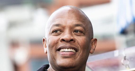 Legendarny raper i producent Dr. Dre poinformował, że obecnie jest hospitalizowany w Los Angeles. Założyciel wytwórni płyt Aftermath Entertainment podziękował za opiekę medykom pracującym w szpitalu, w którym przebywa.