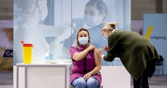 """""""To niesprawiedliwe"""" - powiedział naszej dziennikarce w Brukseli wysoki rangą urzędnik Komisji Europejskiej, proszony o komentarz do słów szefa Kancelarii Premiera Michała Dworczyka dotyczących dostaw szczepionek przeciw Covid-19. Przypomnijmy, Dworczyk stwierdził, że polski rząd liczył na większe i szybsze dostawy preparatu."""