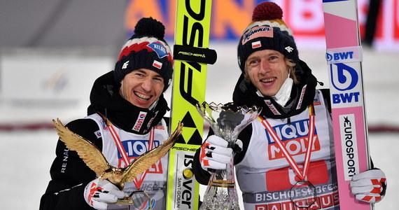 Triumfator Turnieju Czterech Skoczni Kamil Stoch zajmuje drugie miejsce na liście płac Międzynarodowej Federacji Narciarskiej (FIS) w obecnym sezonie Pucharu Świata. Prowadzi Norweg Halvor Egner Granerud. W pierwszej piątce tej klasyfikacji jest trzech biało-czerwonych.