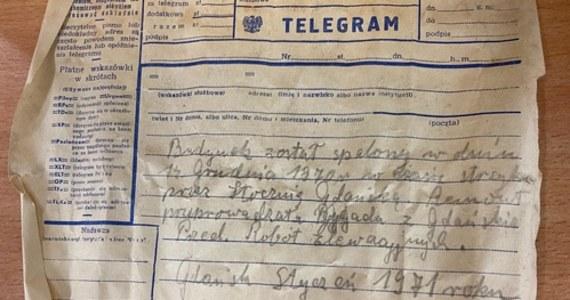 Butelkę ze znajdującą się w środku kartką z zapiskami dotyczącymi tragicznych wydarzeń Grudnia'70 - odnaleziono podczas przebudowy Dworca PKP w Gdańsku Głównym.