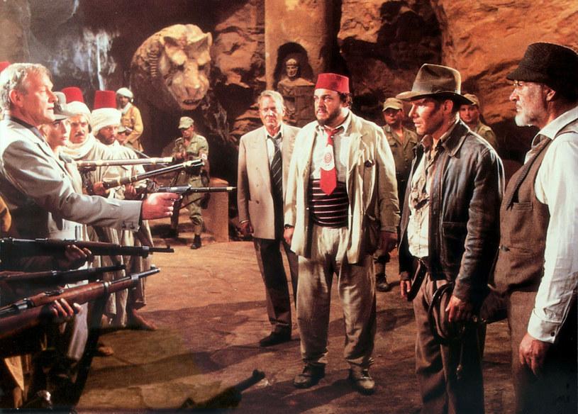 Już w maju tego roku mają ruszyć zdjęcia do piątej, a zarazem ostatniej odsłony popularnego cyklu o przygodach archeologa Indiany Jonesa. W główną rolę raz jeszcze wcieli się Harrison Ford, a za kamerą tym razem stanie James Mangold. Fabuła powstającego filmu pozostaje niewiadomą. Jeśli jednak znajdzie się w niej miejsce dla przyjaciela Indiany Jonesa, Sallaha, wcielający się w jego rolę John Rhys-Davies nie odmówi ponownego jej zagrania.