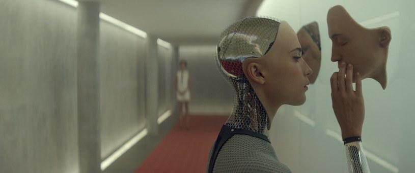 """Debiutancki film Aleksa Garlanda """"Ex Machina"""" z 2014 roku przyniósł mu miano jednego z najciekawszych współczesnych twórców kina science-fiction. Po tym, jak spróbował swoich sił z formatem serialowym, reżyser powraca teraz do kina."""