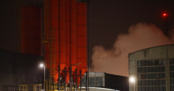 W piątek rano strażacy ugasili pożar na terenie zakładów chemicznych Synthos w Oświęcimiu. Ogień pojawił się w czwartek wieczorem. Poprzedził go wybuch. Nikomu nic się nie stało - informują strażacy. Sprawą zajęła się małopolska policja.