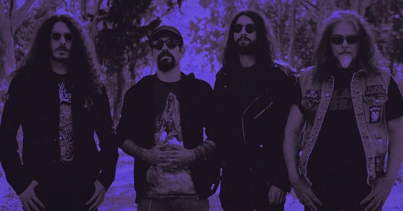 Doom/stonermetalowcy z greckiej formacji Acid Mammoth przygotowali nowy materiał.