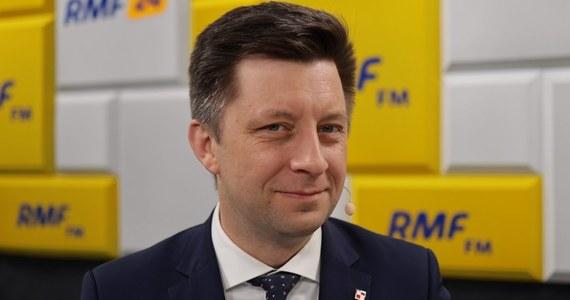 """""""Decyzja dotycząca obostrzeń jeszcze nie zapadła. My podejmujemy każdorazowo tego rodzaju ustalenia po analizie i wysłuchaniu ekspertów. Każdorazowo mamy bardzo trudne zadanie"""" – tak na pytanie o to, co czeka Polaków po 17 stycznia odpowiedział Gość Krzysztofa Ziemca w RMF FM Michał Dworczyk."""