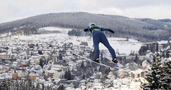 Siedmiu polskich skoczków narciarskich wystartuje w sobotę w zawodach Pucharu Świata w niemieckim Titisee-Neustadt. Zwycięską passę będzie chciał kontynuować Kamil Stoch, triumfator zakończonego w środę Turnieju Czterech Skoczni.
