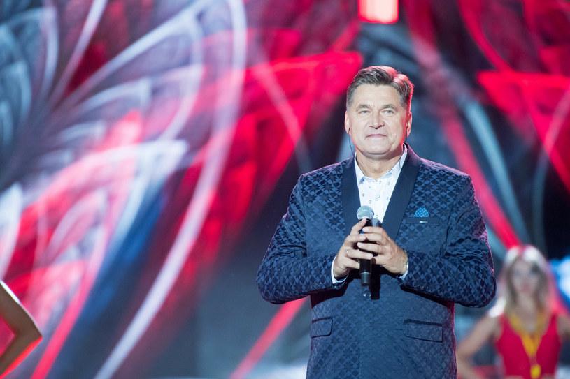 """Michał Wiśniewski poinformował, że dostał poważne pismo od piosenkarza disco polo, Sławomira Świerzyńskiego. Chodzi o wypowiedź lidera Ich Troje po aferze z bezprawnym wykorzystaniem utworu """"Tawerna Pod Pijaną Zgrają""""."""
