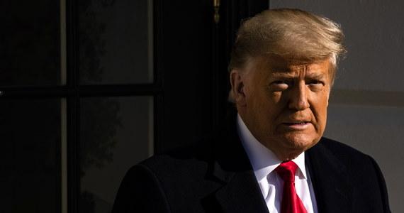 """Donald Trump zdaje się nie poczuwać do odpowiedzialności za szturm swoich zwolenników na Kapitol. Zapytany dzisiaj o swoje przemówienie, które poprzedziło skandaliczne wydarzenia w siedzibie Kongresu USA, amerykański prezydent stwierdził, że jego słowa były """"całkowicie właściwe""""."""