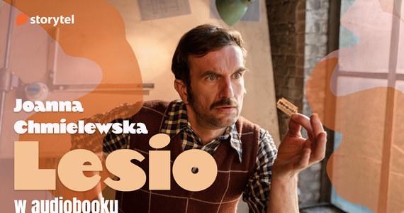 """Sensacyjno-humorystyczny """"Lesio"""" Joanny Chmielewskiej w znakomitej interpretacji Tomasza Kota."""