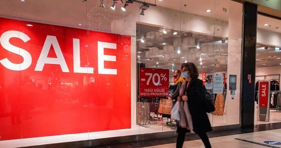 Rządowe plany zakładają, że luzowanie obostrzeń epidemicznych ma rozpocząć się od otwarcia sklepów w galeriach handlowych. Nie można wykluczyć, że dojdzie do tego 1 lutego.