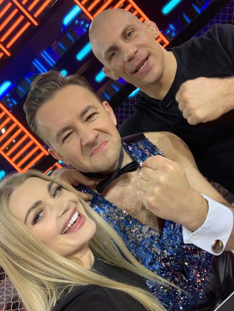 """Zawodnik MMA Damian Janikowski pojawi się w najbliższym odcinku programu """"Disco Weekend z Blondi"""" w Polo TV."""