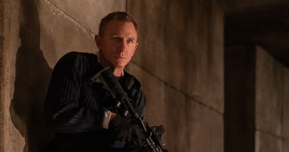 """""""Nie czas umierać"""", 25. film z serii o Jamesie Bondzie, nie trafi do kin w kwietniu - tak twierdzi filmowy serwis """"Deadline"""". Kiedy możemy spodziewać się nowych przygód agenta 007 w kinach?"""