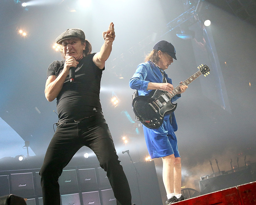 """Do sieci trafił nakręcony w technologii 360 stopni klip do singla """"Realize"""" hardrockowej legendy AC/DC."""