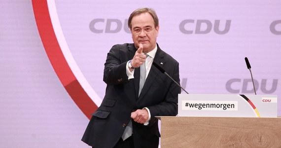1001 delegatów wybrało w sobotę w południe 59-letniego Armina Lascheta na nowego przewodniczącego niemieckiej Unii Chrześcijańsko-Demokratycznej (CDU). Kandydatów było trzech. Zwycięzca ma duże szanse na zostanie kolejnym kanclerzem Niemiec.