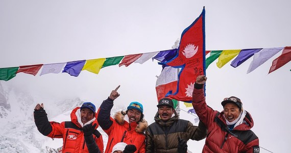 Historyczne wydarzenie - szczyt K2 został zdobyty zimą. Tego wyczynu dokonał zespół Nepalczyków - połączone ekipy z trzech wypraw. K2 to druga najwyższa góra na Ziemi.
