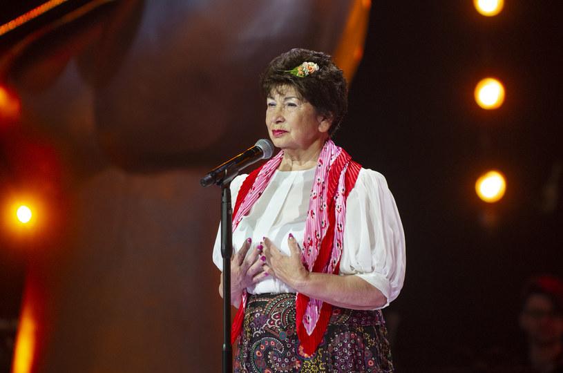 """Jedną z uczestniczek przesłuchań programu """"The Voice Senior"""" była Czesława Szymaniak. Widzowie szybko odkryli, czyją jest babcią."""