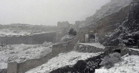 Niskie temperatury i opady śniegu nawiedziły większą część Europy. Mrozy spowodowały oblodzenie wielu dróg, Stambuł pokrył się śniegiem, atak zimy nie ominął też Bałkanów. W Czechach słupki rtęci spadły w nocy poniżej 20 st. C, a w Niemczech śnieg spowodował wypadki samochodowe.