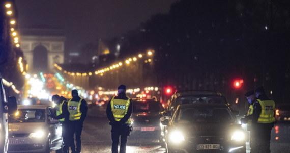 """Kontrowersje wokół epidemicznych obostrzeń dla podróżnych przybywających do Francji spoza Unii Europejskiej. Odtąd muszą oni m.in. zobowiązać się """"na honor"""", że będą się izolować przez co najmniej tydzień."""