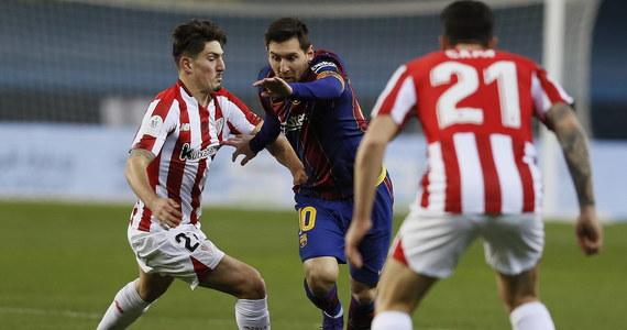 Lionel Messi z Barcelony został zawieszony na dwa mecze przez Hiszpańską Federację Piłkarską. To kara za faul i czerwoną kartkę, jaką Argentyńczyk zobaczył w rywalizacji z Athletic Bilbao w niedzielnym finale turnieju o Superpuchar Hiszpanii.