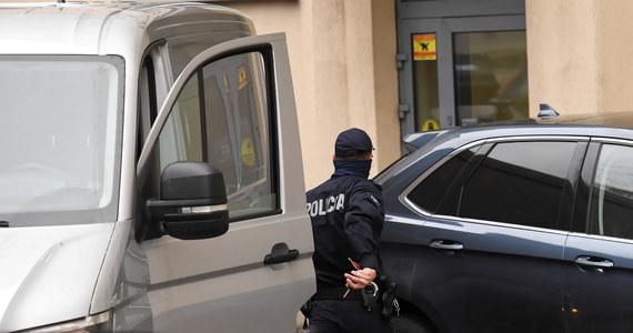 Są zażalenia na decyzje prokuratury w związku z niezastosowaniem aresztów wobec dwóch biznesmenów zatrzymanych na początku stycznia w śledztwie dotyczącym Sławomira Nowaka. Do sądu trafiły zażalenia obrony, a także prokuratury.
