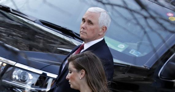 Wiceprezydent USA Mike Pence nie weźmie udziału w pożegnaniu prezydenta Donalda Trumpa w bazie wojskowej pod Waszyngtonem. Logistycznie ma to być niemożliwe z pogodzeniem jego uczestnictwa w zaprzysiężeniu Joe Bidena przed Kapitolem.