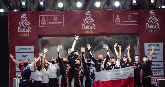 """Energylandia Rally Team ma za sobą debiut w Rajdzie Dakar. Z pierwszego udziału w najtrudniejszym rajdzie świata są zadowoleni kierowcy zespołu. Michał Goczał z pilotem Szymonem Gospodarczykiem zajęli 4. miejsce w klasyfikacji generalnej lekkich samochodów SSV. Na 8. miejscu rywalizację zakończył Marek Goczał z Rafałem Martonem. """"Zawsze mam takie tendencje, żeby walczyć o najwyższe cele, ale znałem też specyfikę tego rajdu oraz swoje miejsce w szeregu i z uzyskanego rezultatu jestem tym bardziej szczęśliwy"""" – podkreśla Michał Goczał. O najtrudniejszych momentach na Dakarze, ale też o spełnieniu największego marzenia w życiu z braćmi Michałem i Markiem Goczałami rozmawiał Wojciech Marczyk z redakcji sportowej RMF FM."""