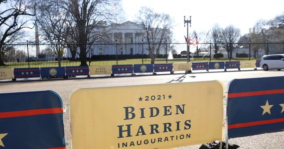 W środę o godz. 18 czasu polskiego Joe Biden zostanie zaprzysiężony na 46. prezydenta USA. Prezydenckim inauguracjom tradycyjnie towarzyszyły liczne wydarzenia okolicznościowe. W tym roku - mimo epidemii i zagrożenia zamieszkami - także ich nie zabraknie, ale część będzie ograniczona lub wirtualna.
