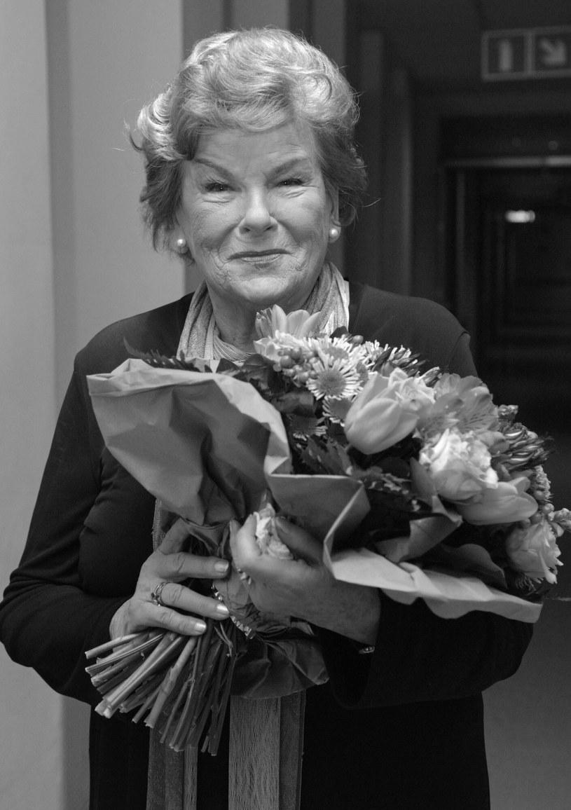 W wieku 96 lat zmarła królowa swingu, Maria Koterbska. W piątek odbędzie się pogrzeb gwiazdy polskiej piosenki, a uroczystość będzie miała charakter państwowy.
