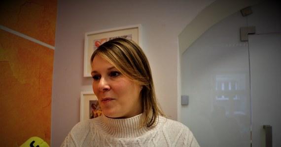 Konkursy, zabawy, wywiady, ale i najważniejsze informacje zawarte w jednym miejscu - tak wygląda platforma Kraków Pomaga. Można tam znaleźć aktualne informacje o korona wirusie oraz o tym jak przetrwać ten czas w domu. Są także dyżury psychologów – wyjaśnia Marta Hernik z fundacji Poland Biznes Run.