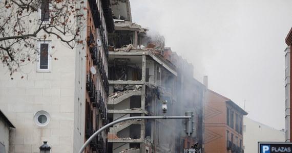 W centrum Madrytu doszło do eksplozji, po której całkowicie zniszczonych zostało pięć najwyższych pięter jednego z budynków. Reuters podaje, że konieczna była ewakuacja znajdującego się w pobliżu domu opieki. Co najmniej trzy osoby nie żyją.