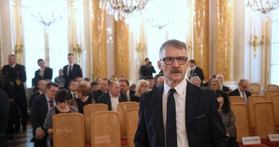 Sędzia Leszek Mazur, odwołany tydzień temu ze stanowiska przewodniczącego Krajowej Rady Sądownictwa, sam rezygnuje z tej funkcji. Rzecznik Sądu Najwyższego poinformował, że Mazur złożył rezygnację na ręce I prezes SN.