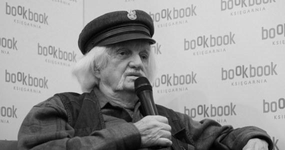 """Nie żyje """"Papcio Chmiel"""", na którego komiksach o Tytusie, Romku i A'Tomku wychowały się pokolenia Polaków. O śmierci Henryka Jerzego Chmielewskiego poinformował wydawca jego komiksów - Prószyński i S-ka."""