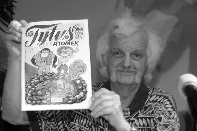 Nie żyje Henryk Jerzy Chmielewski, słynny Papcio Chmiel, autor serii komiksów o przygodach Tytusa, Romka i A'Tomka, Powstaniec Warszawski. Rysownik zmarł w nocy z czwartku na piątek. Miał 97 lat. Informację o śmierci twórcy zamieściło na Twitterze Muzeum Powstania Warszawskiego.