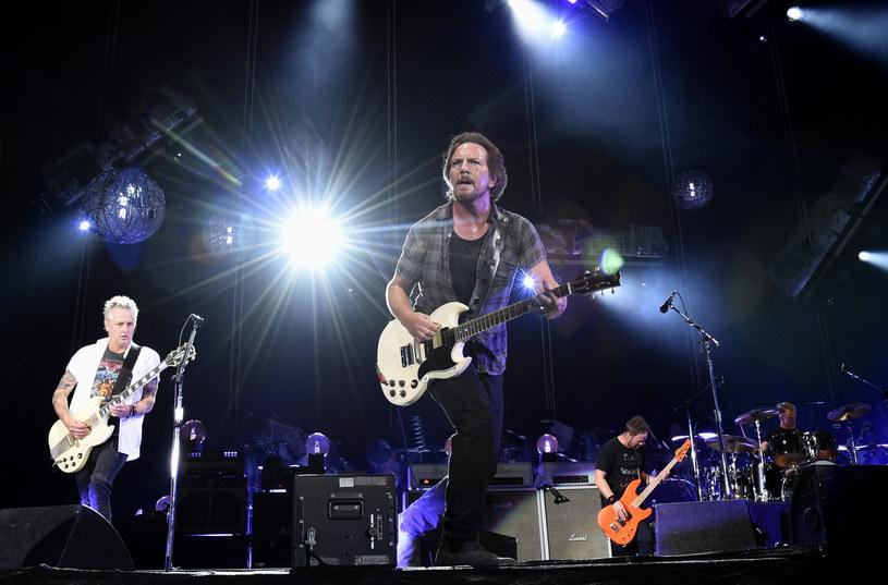Muzycy legendarnej grupy Pearl Jam twierdzą, że działalność tribute bandu - Pearl Jamm - źle wpływa na ich zespół. Podjęli zdecydowane kroki. Członkowie Pearl Jamm odpowiedzieli na oskarżenia.